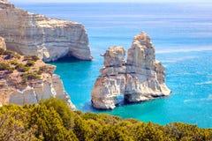 Piękny sceniczny seascape widok Kleftiko skalista linia brzegowa na Milos wyspie obraz stock
