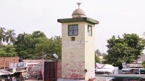 Piękny społeczeństwo zegar w starym miasteczku zdjęcie wideo