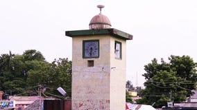 Piękny społeczeństwo zegar w starym miasteczku na Tamilskim nadu zdjęcie wideo