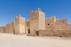 Piękny stary gliniany budynek dzwonił kasbah w pustyni Maroko, afryka pólnocna Zdjęcia Royalty Free