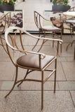 Piękny stary krzesło w ulicznej kawiarni w świętym Petersburg Obraz Stock