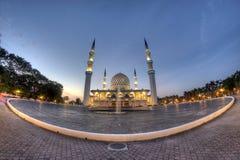 Piękny sułtanu Salahuddin Abdul Aziz Shah meczet (także znać jako Błękitny meczet) Obrazy Stock
