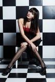 piękny szachy piękny nad ścienną kobietą Obrazy Royalty Free
