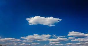 piękny tła błękit chmurnieje niebo niebo, chmury Niebo z chmury natury chmury pogodowym błękitem Fotografia Stock