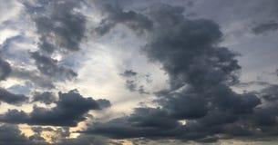 piękny tła błękit chmurnieje niebo niebo, chmury Niebo z chmury natury chmury pogodowym błękitem błękit nieba chmury słońce Fotografia Royalty Free