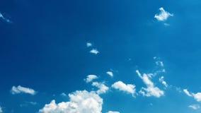 piękny tła błękit chmurnieje niebo niebo, chmury Niebo z chmury natury chmury pogodowym błękitem błękit nieba chmury słońce zbiory