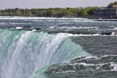 Piękny tło z zadziwiającym Niagara spada kanadyjczyk strona obrazy royalty free