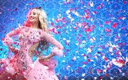 Piękny tancerza celebratong zwycięstwo Fotografia Stock