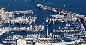 Piękny Timelapse widok z lotu ptaka Hercules schronienie Z Wiele Luksusowymi jachtami zbiory wideo