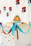 piękny tortowy wielo- wielopoziomowy ślub Zdjęcie Royalty Free