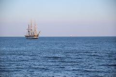 Piękny Włoski żeglowanie statek na wysokich morzach Zdjęcia Stock