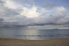 Piękny widok Caraguatatuba plaża, północny wybrzeże stan Zdjęcia Stock