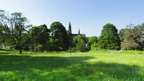 Piękny widok geen miasto krajobraz z wierzchołkiem sławna katedra góruje na niebieskiego nieba tle europejczycy Szwecja zbiory