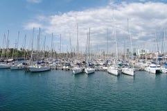 Piękny widok jachty parkuje w schronieniu, Barselona, Hiszpania zdjęcie stock