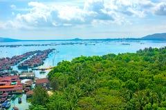 Piękny widok laguna z białym piaskiem drzewkami palmowymi i, turkusowy morze najlepszy widok Zdjęcie Stock