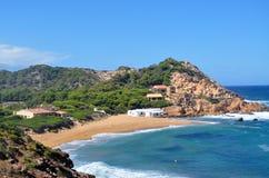 Piękny widok Menorca wyspy plaża - zadziwiająca wycieczka Balearic wyspa w Hiszpania Zdjęcie Stock