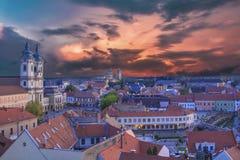 Piękny widok Minorit kościół i panorama miasto Eger, Węgry Obrazy Stock