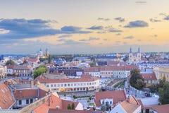Piękny widok Minorit kościół i panorama miasto Eger, Węgry Obraz Stock