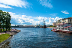 Piękny widok Neva rzeka Zdjęcia Stock
