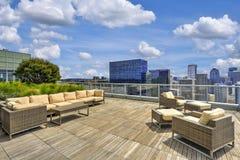 Piękny widok niebo hol na dachu budynek mieszkaniowy zdjęcia royalty free