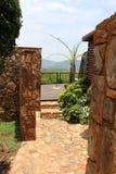 Piękny widok od tarasu z kamiennymi ścianami, Południowa Afryka Zdjęcia Royalty Free