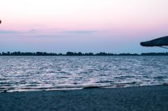 Piękny widok piaskowata plaża zdjęcie stock