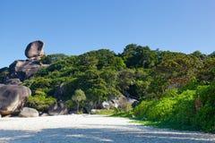 Piękny widok rockowy żagiel na Similan Zdjęcie Stock