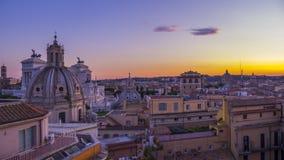 Piękny widok Rzym w wieczór i widoki od dachu historyczny budynek zdjęcie royalty free