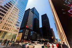 Piękny widok starzy retro i nowożytni eleganccy architektoniczni budynki w Toronto puszka miasteczka terenie z ludźmi chodzi na u Zdjęcia Royalty Free