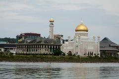 Piękny widok sułtanu Omar Ali Saifudding meczet, Bandar Seri Begawan, Brunei fotografia royalty free