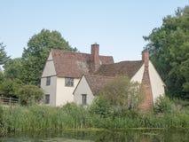 Piękny widok Willy Lott ` s domu chałupa przy flatford młynem su Fotografia Stock