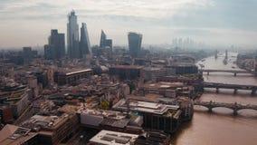 Piękny widok z Londynu na wieżowce zbiory wideo