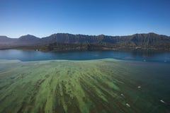 Piękny widok z lotu ptaka Kaneohe zatoki Sandbar Oahu, Hawaje fotografia royalty free