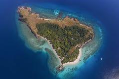 Piękny widok z lotu ptaka plaże w Flores wyspie, Indonezja obrazy royalty free