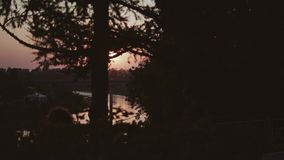 Piękny widok piękny zmierzch nad rzeką w ruchu zdjęcie wideo