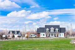 Piękny wiejski amerykański dom wiejski fotografia royalty free