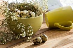 Piękny Wielkanocny skład na drewnianym stole Zdjęcie Royalty Free