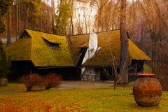 Piękny wioska dom blisko otręby kasztelu, Rumunia obraz stock