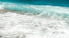 Piękny wizerunek toczne denne fale Turkusowi oceanu morza przypływy obraz stock