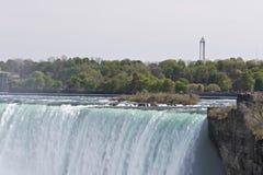 Piękny wizerunek z zadziwiającym Niagara spada od kanadyjczyk strony obrazy stock