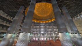 Piękny wnętrze Istiqlal meczet Obraz Royalty Free