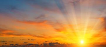Piękny wschód słońca i chmurny niebo Zdjęcie Stock