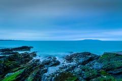 Piękny wschód słońca na wybrzeżu Irlandia zdjęcia stock