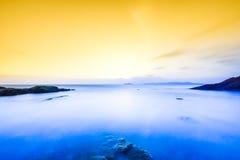 Piękny wschód słońca na wybrzeżu Irlandia zdjęcie stock