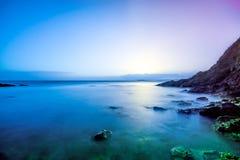 Piękny wschód słońca na wybrzeżu Irlandia zdjęcia royalty free