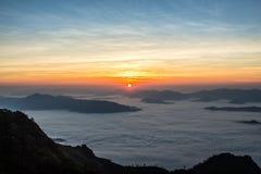 Piękny wschód słońca na wysokiej górze Obraz Royalty Free