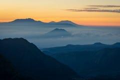 Piękny wschód słońca przy Bromo wulkanu górą, Wschodni Jawa, Indonesi Obrazy Royalty Free