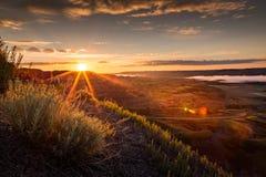 Piękny wschód słońca w Suchej wyspie Bawoliej Skacze prowincjonału parka, Alberta obrazy royalty free