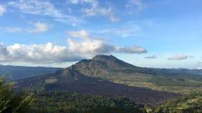 Piękny wulkan Batur Chmurnego nieba czasu up?yw Indonezja zbiory wideo