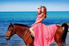 piękny wybrzeże tanczy dziewczyn potomstwa Obraz Royalty Free